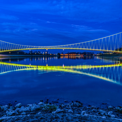 https://pixabay.com/en/croatia-osijek-blue-hour-3811357/