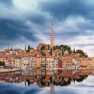 https://pixabay.com/en/skyline-rovinj-croatia-water-1738058/