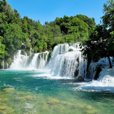 https://pixabay.com/en/krka-waterfall-croatia-nature-park-987021/