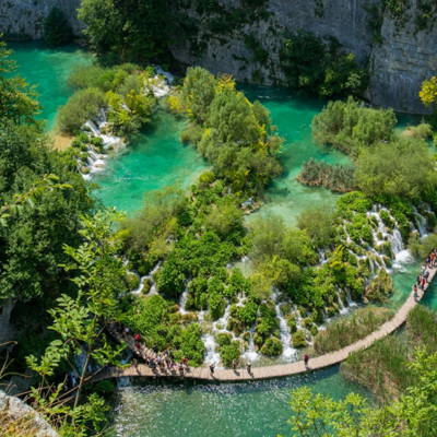 https://pixabay.com/en/croatia-lake-waterfall-812260/