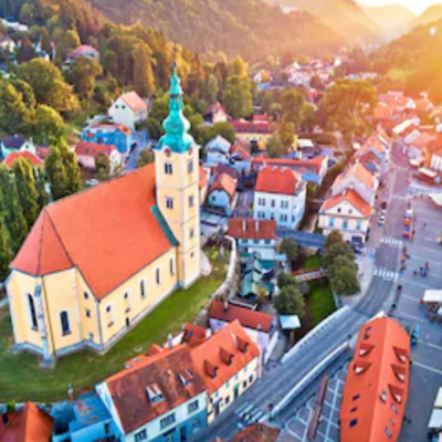 https://www.shutterstock.com/image-photo/town-samobor-square-aerial-burning-sunset-1199253274?irgwc=1&utm_medium=Affiliate&utm_campaign=Hans%20Braxmeier%20und%20Simon%20Steinberger%20GbR&utm_source=44814&utm_term=