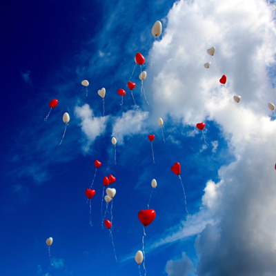 https://pixabay.com/en/balloon-heart-love-romance-sky-1046658/