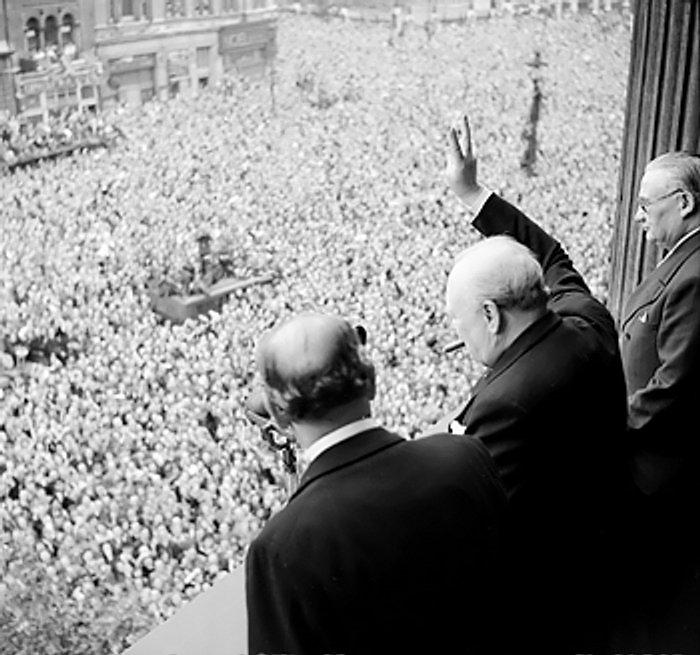 Winston Churchill Slavi Poraz Njemake 1945