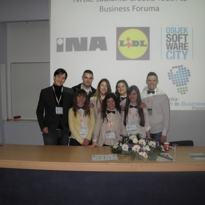 Organizacijski tim Youth to Business Foruma