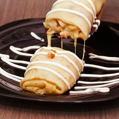 https://pixabay.com/en/food-dessert-pancake-sour-cream-3257453/