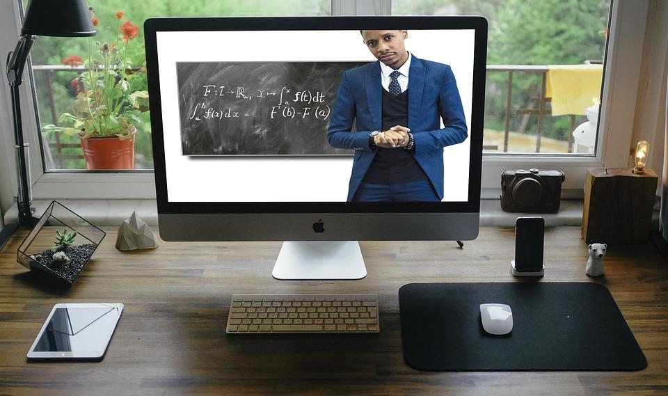 Anketa Studenti Razlicitih Fakulteta Komentirali Online Nastavu I