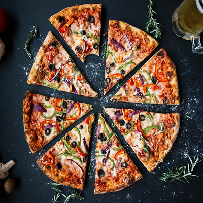 https://pixabay.com/photos/pizza-food-italian-baked-cheese-3007395/