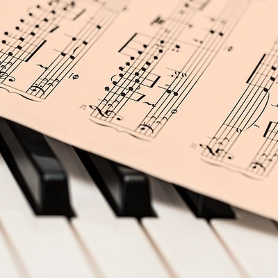 https://pixabay.com/en/piano-music-score-music-sheet-1655558/