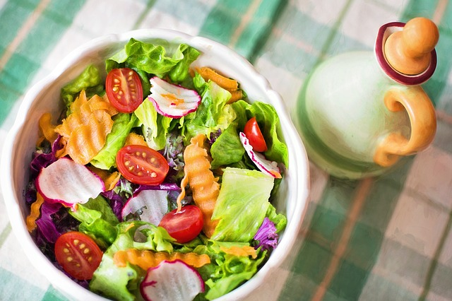 Salata; Izvor: https://pixabay.com/en/salad-fresh-veggies-vegetables-791891/